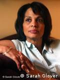 Esta fotografía muestra a Rosemarie Peña, presidenta de la Sociedad Cultural de Alemanes Negros, con sede en Nueva Jersey.