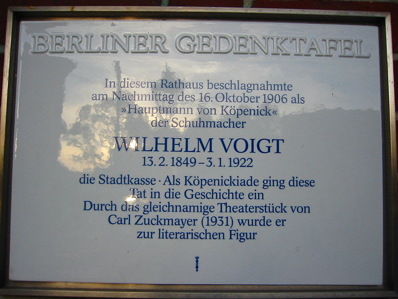 File:Berliner Gedenktafel Wilhelm Voigt.jpg