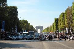 Paris: Avenue des Champs-Élysées - Arc de Trio...