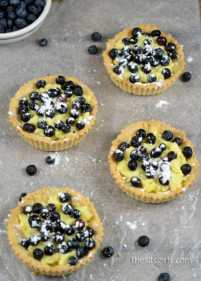 Blueberry Tartletts | This is THE DESSERT recipe for spring and summer.
