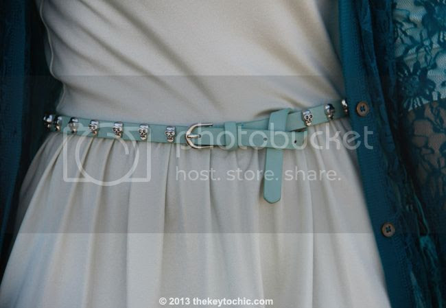 Mossimo skull studded belt in mint green