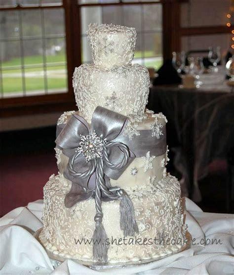 32 Silver And White Winter Wedding Ideas   Weddingomania