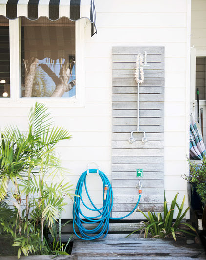 Beach Style Exterior by Mr Jason Grant