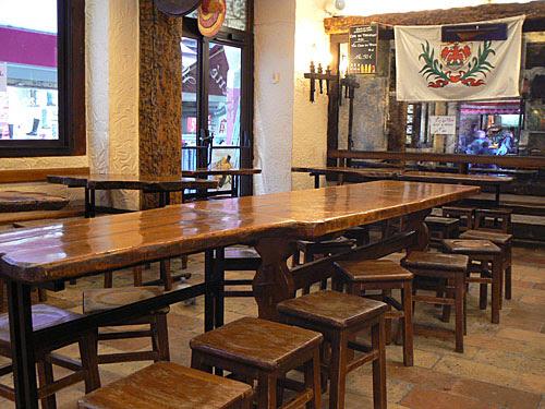 longue table en bois rené socca.jpg