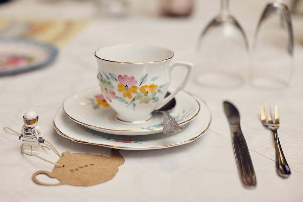 Vintage wedding china teacups - www.helloromance.co.uk