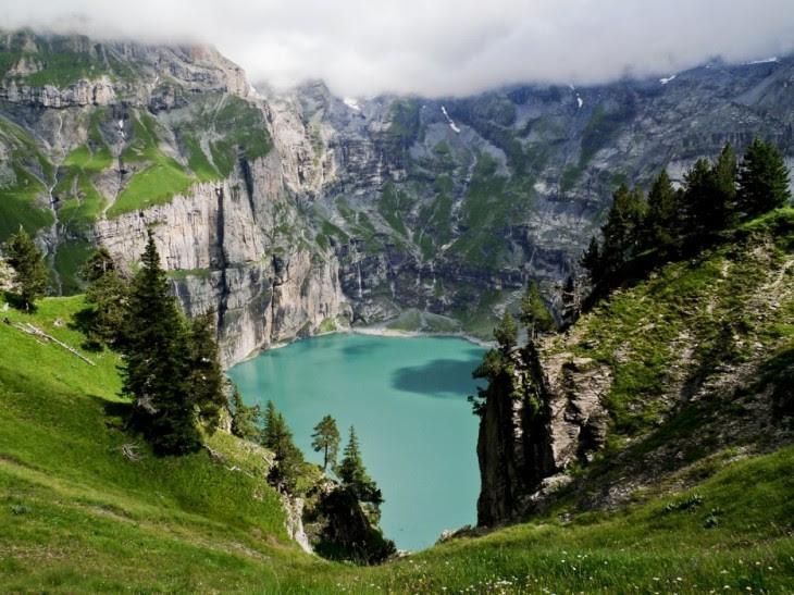 lago Öschinensee en suiza