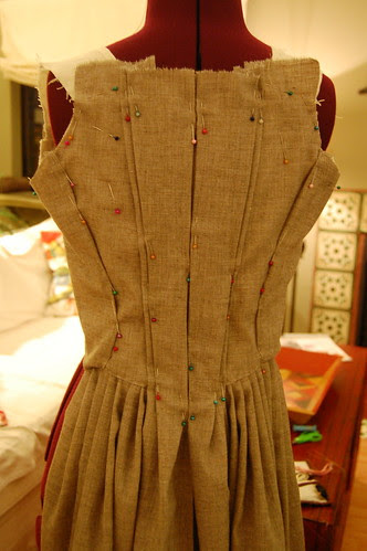 Making a robe a l'anglaise 18