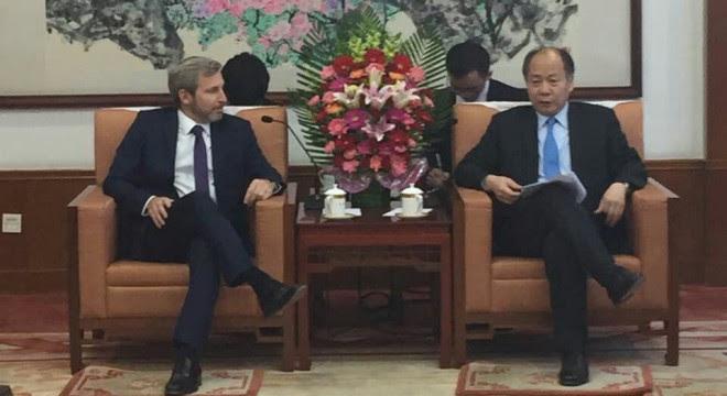 Frigerio en una de las reuniones que tuvo en su viaje a China.