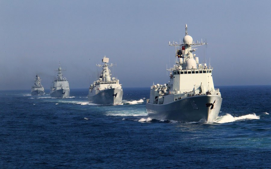 Chinese navy conducts formation exercises