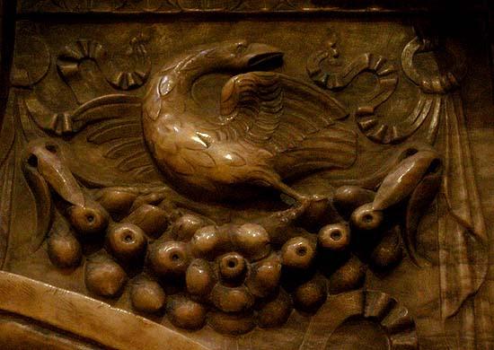 Valencia, székesegyház, márvány pelikán