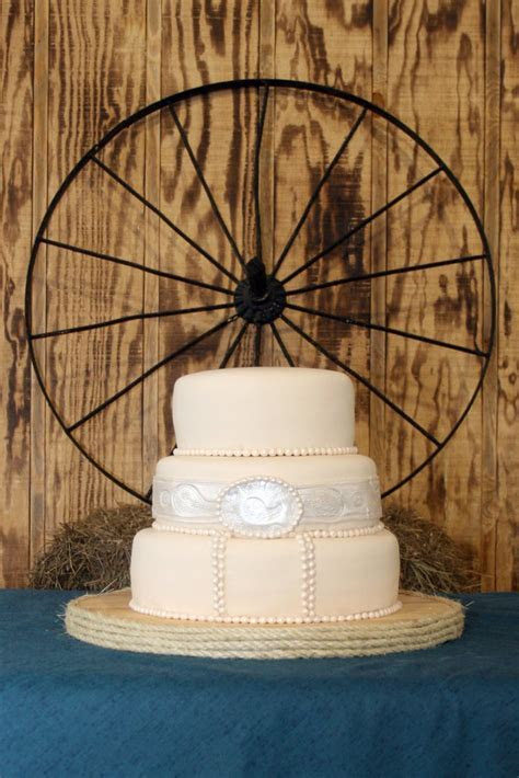 Country Western themed Wedding Cake   This was my first