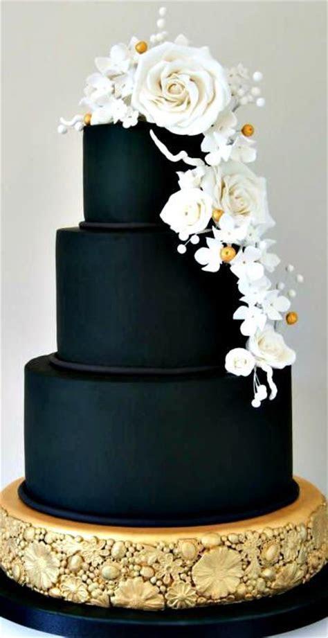 Best 25  Black and gold cake ideas on Pinterest   Black