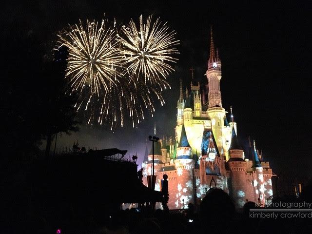 Mickey Very Merry Christmas Party Fireworks.jpg