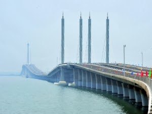 China Opens World's Longest Sea Bridge — and Three Other Record-Breakers - TIME NewsFeed