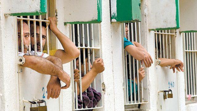 Israele arresta 567 palestinesi nel mese di aprile