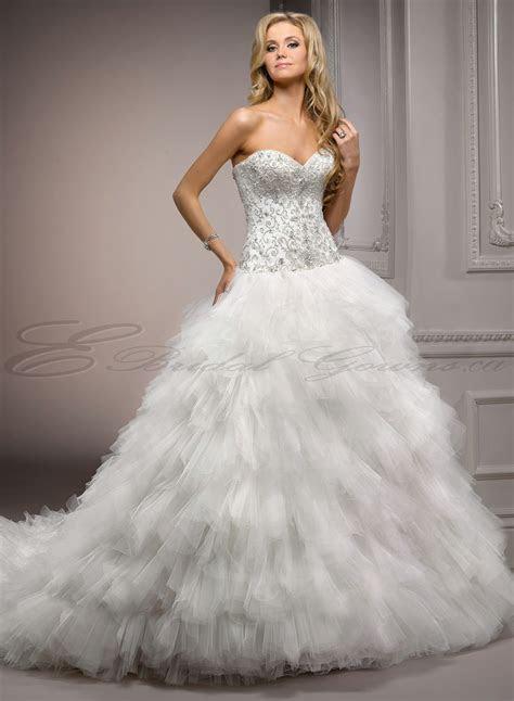 Wedding Dress: Finding Discount Wedding Gowns Online