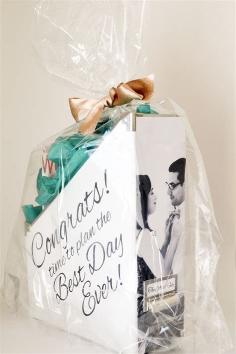 Do It Yourself Engagement Gift Kit   BridalPod