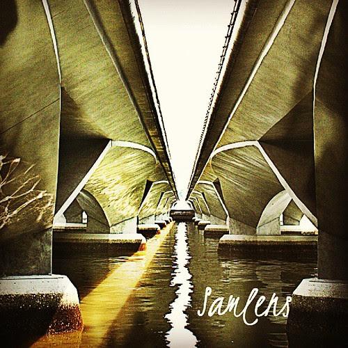 Bridge gab - fullerton bridge singapore #traveling  #singapore  #webstapick  #instatravel  #instagram  #instaphotoesia  #bridge #algaet by be.samyono
