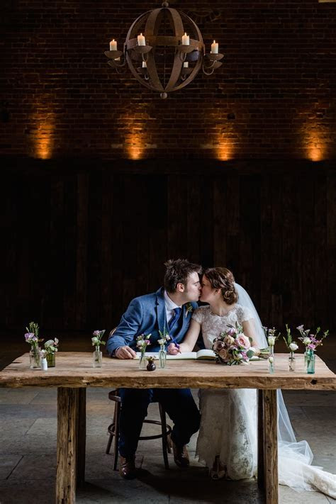 Rustic Shustoke Farm Barns Warwickshire Wedding   Lydia Stamps