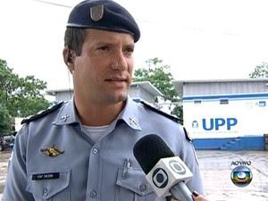 Comandante UPP de Manguinhos Gabriel Toledo  (Foto: Reprodução/ TV Globo)