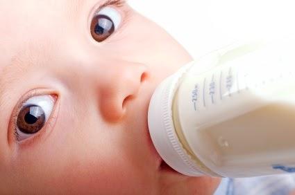 Tips dan Cabaran Ajar Anak Minum Botol