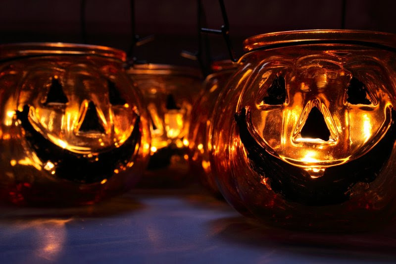 Glass pumpkin tealight holders