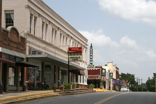 looking down 3rd street in leesville