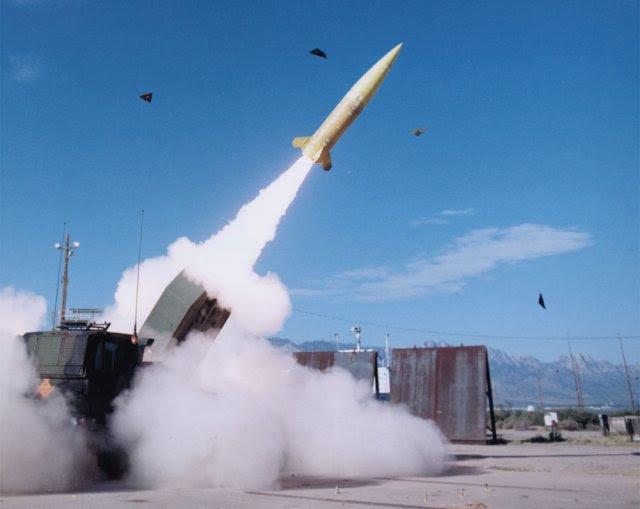 Lockheed Martin entrega el primer misil modernizado TACMS al Ejército de Estados Unidos 640 001