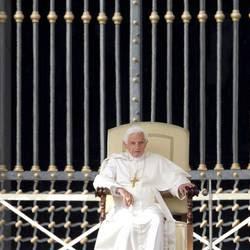Il Papa in udienza in piazza san Pietro