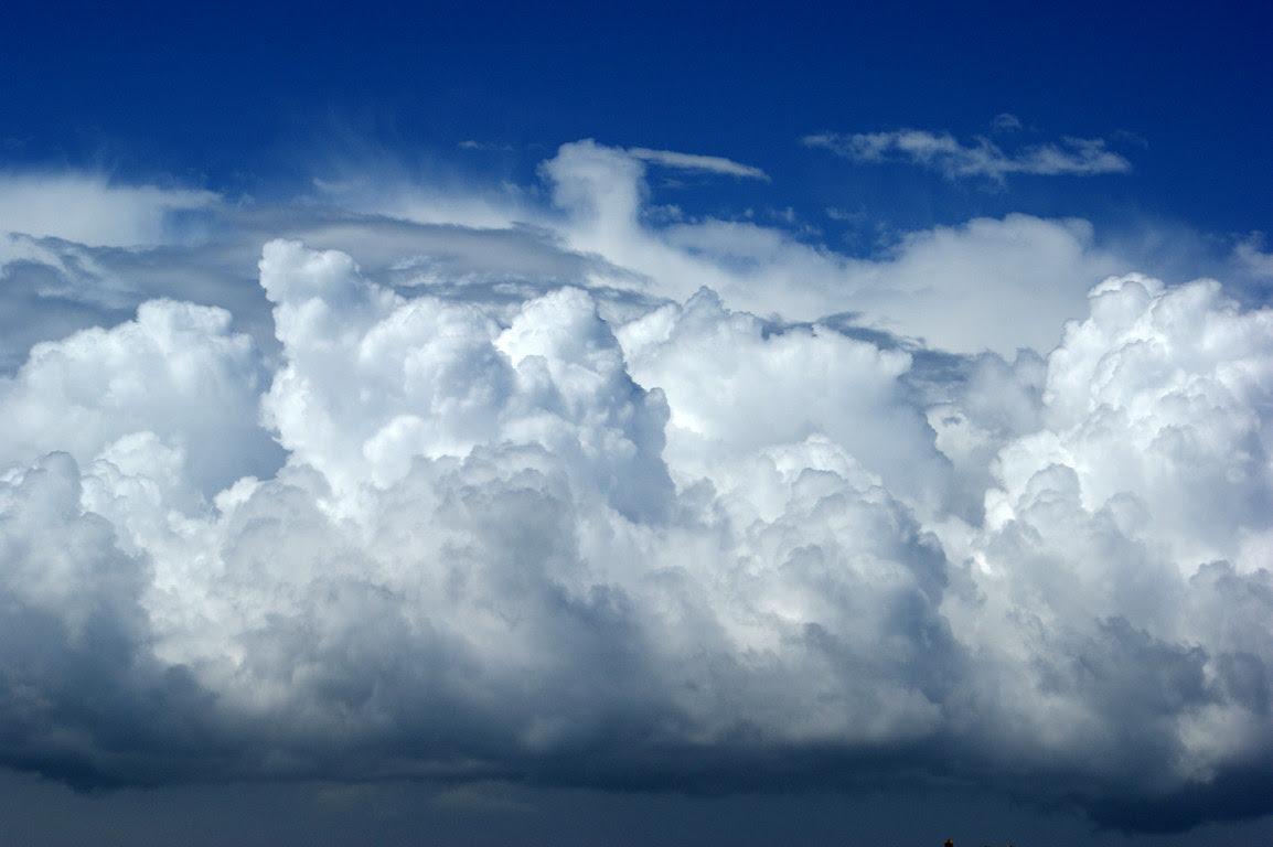 Desktop with Cloud