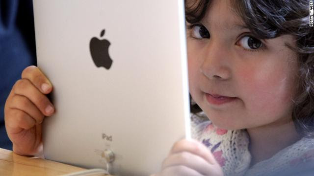 Gadget multitasking can cause children to develop social problems, according to a new study.