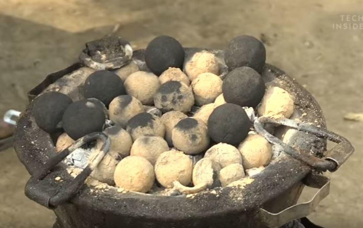 Ανθρώπινες κενώσεις γίνονται κάρβουνα για ψήσιμο φαγητού!   Newsit.gr