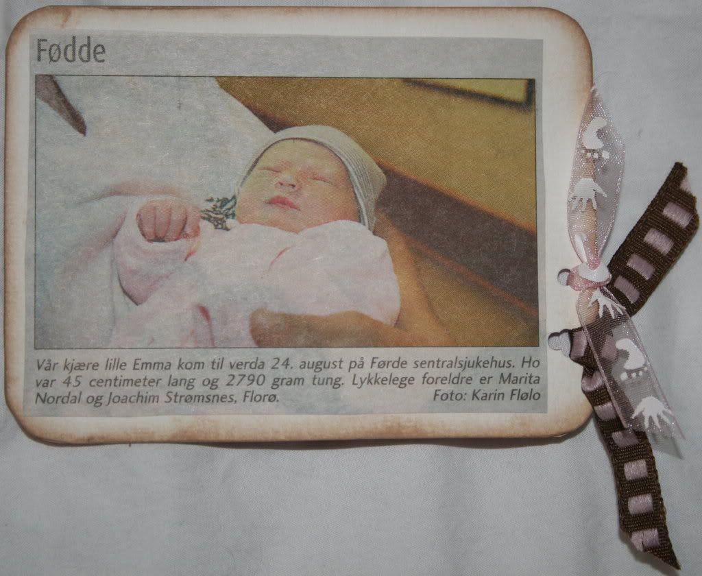 ..baksiden av tag'n med fødselsannonsen som var i lokalavisen!
