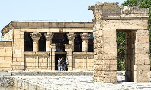 El templo de Debod y alrededores