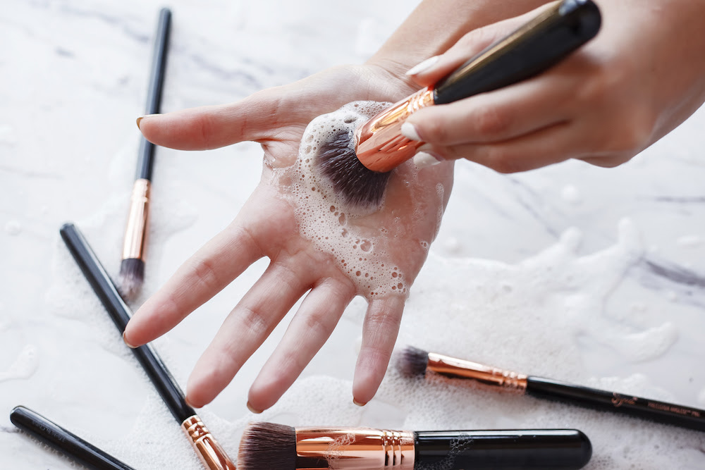 How to Clean your Makeup Brushes Properly - The Chriselle ...