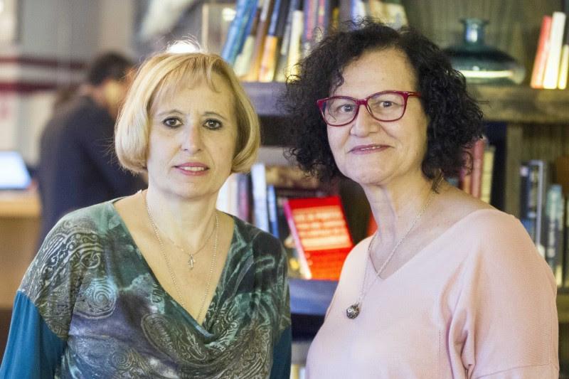 <p>A la izquierda, Paloma Pérez Calleja, fue robada a su madre cuando nació. A su lado, Marga Pérez, cuyo hijo fue robado, en 1981, por Sor María, en la Maternidad de Santa Cristina.</p>