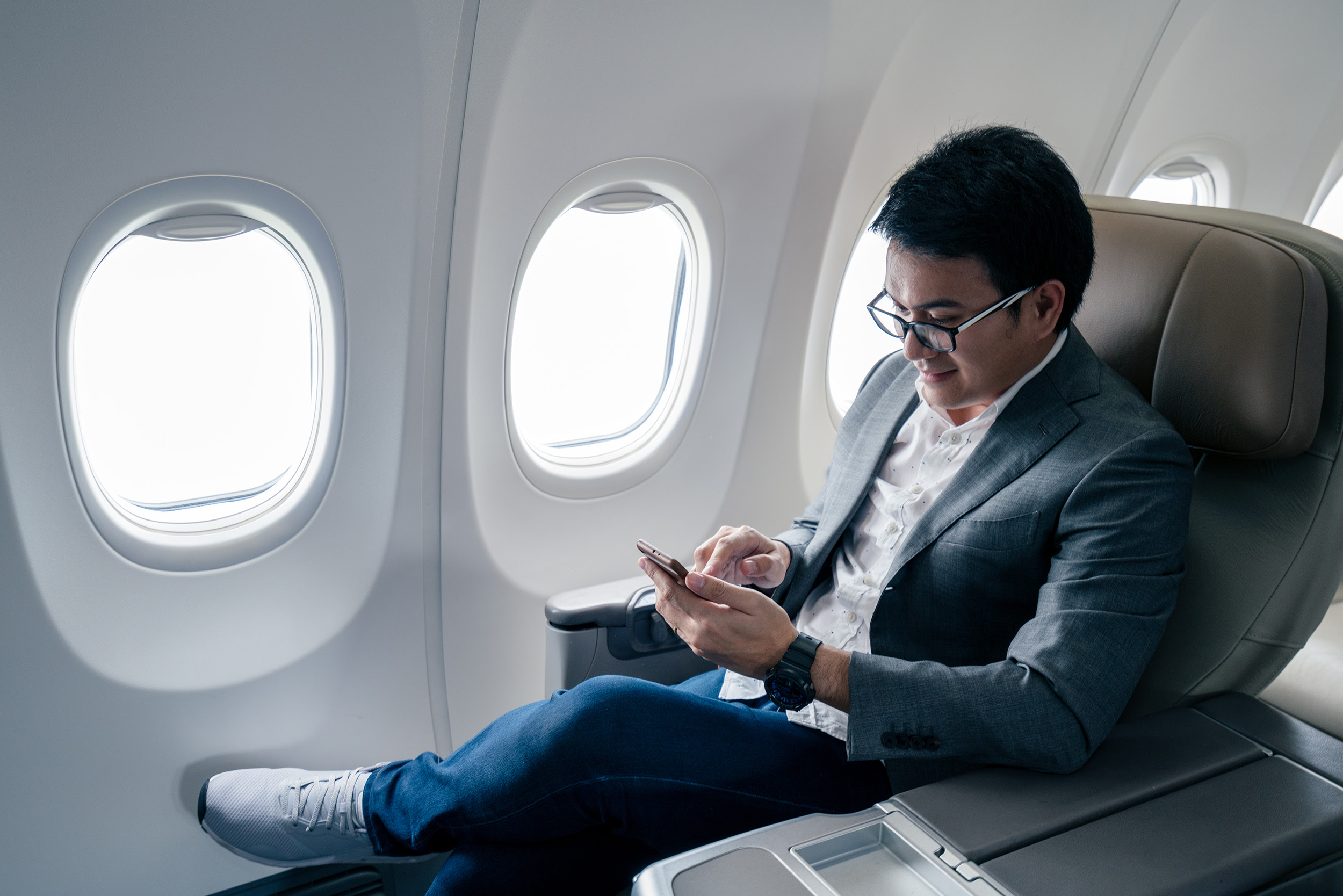 Cell Phone Calls On Airplane Flights Are They Inevitable Cnn Travel