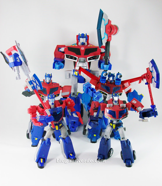 Transformers Wingblade Optimus Prime Animated Takara - modo robot vs otros Optimus Animated