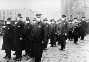 Policías con máscaras entregadas por la Cruz Roja, 1918Policemen wearing masks provided by the American Red Cross in Seattle, 1918