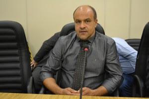 Vereador Roberto de Souza (PMDB) pede conserto em escola no Jardim Castelo