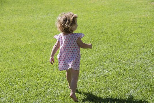 Aujourd'hui, quatre enfants sur dix (de 3 à 10ans) ne jouent jamais dehors pendant la semaine, selon un rapport de l'Institut de veille sanitaire.