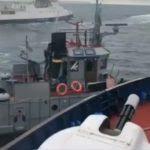 Украина заявила об обстреле и захвате своих кораблей российскими катерами
