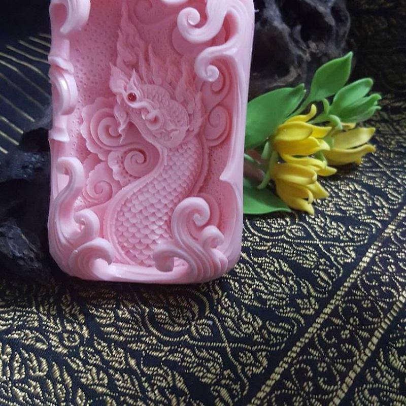 Artista tailandês cinzela esculturas requintadamente detalhadas de sabonete 07