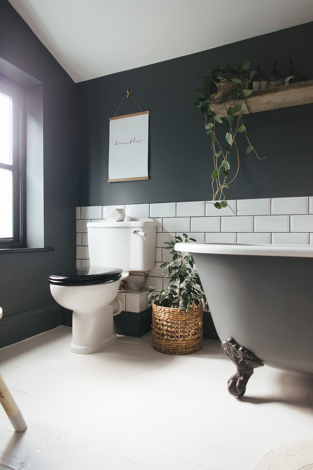 Choosing a light or dark bathroom colour scheme for a ...