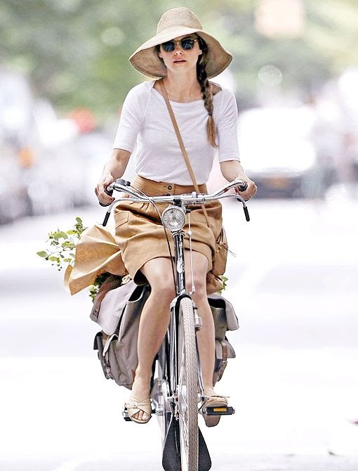 bikesandbabes:  (via Accessory Spotlight: Bikes - Celebrity Style and Fashion from WhoWhatWear)