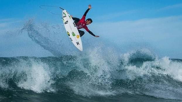 Filipe Toledo Surfe Portugal Praia Supertubo