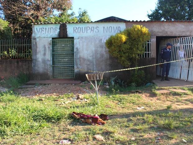 Menina morre após ser queimada em chiqueirinho em Campo Grande MS (Foto: Juliana Aguiar/G1 MS)