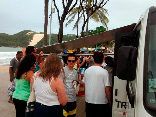 Posto de justificação de votos em Ponta Negra (Foto: Fernanda Zauli/G1)