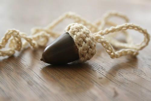 brown acorn, cream cap