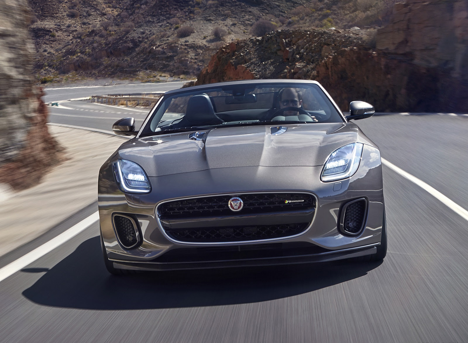 2018 Jaguar F Type R Dynamic Convertible Front Wallpapers 24
